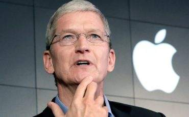 apple-ceo-su-tim-cook-tan-flas-aciklama-61090
