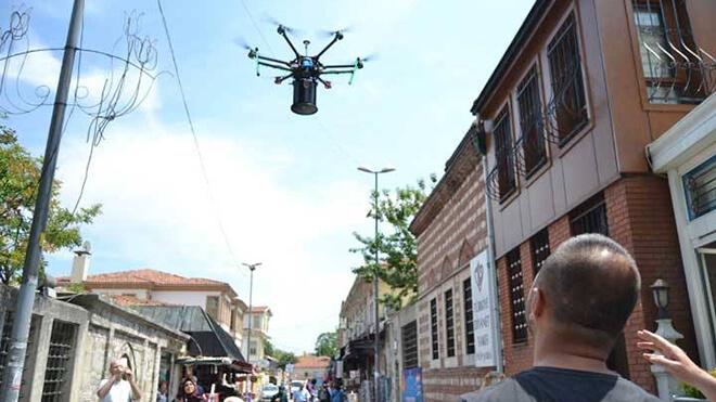 Photo of Drone'lar Şimdide Ramazan Davulcusu Oldu